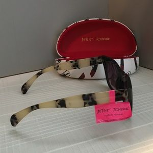 Betsey Johnson Accessories - 🆕BETSEY JOHNSON SUNGLASSES THAT YOU WILL LOVE-NEW